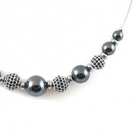 Collier perles de zircons noir et perles d'Hématite