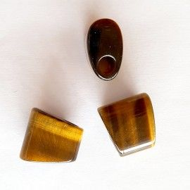 3 perles de pierre trapézoïdales couleur miel