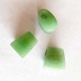 3 perles de pierre trapézoïdales couleur vert